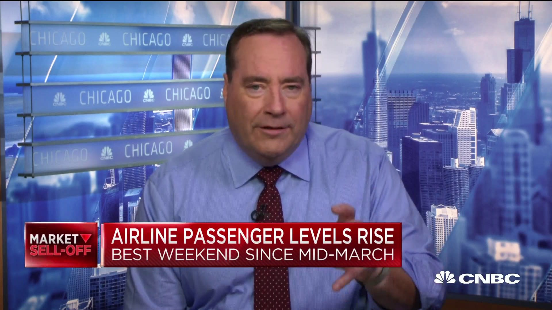 U.S. airlines see best weekend for passenger levels since mid-March